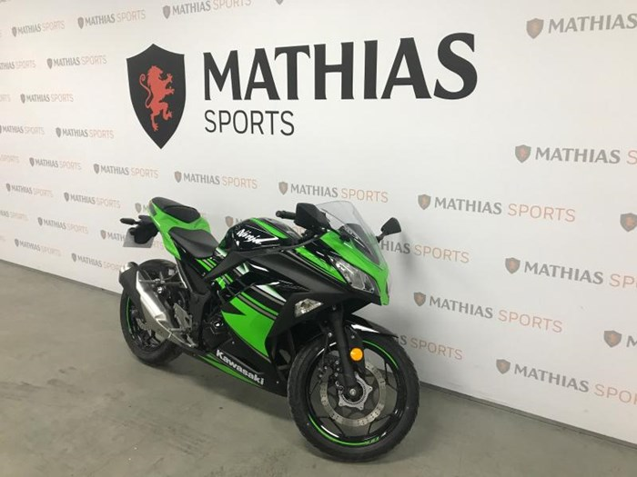 2016 KAWASAKI NINJA 300 ABS KRT Photo 3 of 9