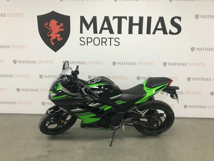 2016 KAWASAKI NINJA 300 ABS KRT Photo 4 of 9
