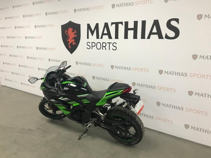 2016 KAWASAKI NINJA 300 ABS KRT Photo 6 of 9