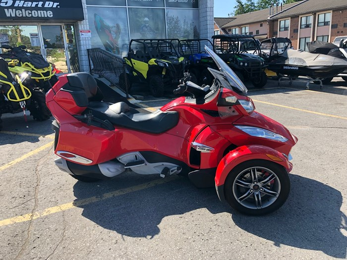 2012 Can-Am Spyder RT-S SE5 Photo 4 of 12