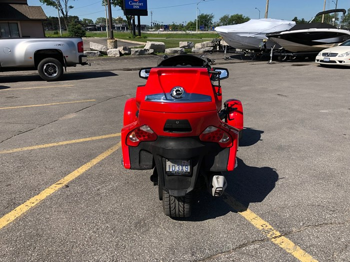 2012 Can-Am Spyder RT-S SE5 Photo 7 of 12