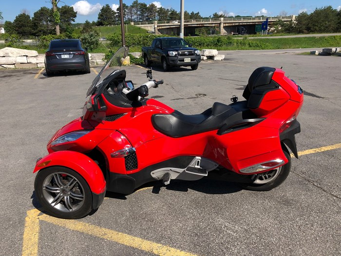 2012 Can-Am Spyder RT-S SE5 Photo 8 of 12
