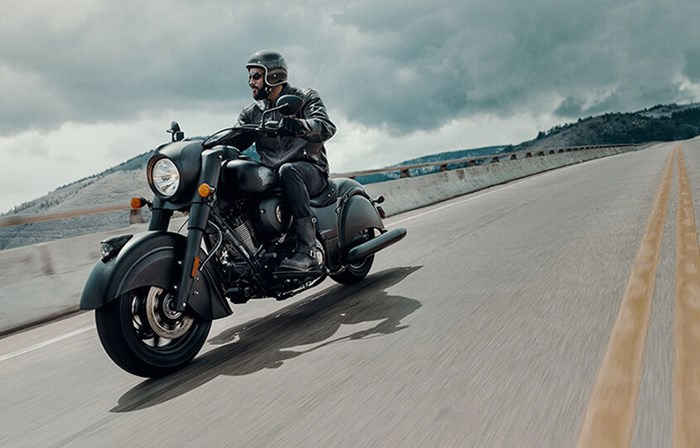 2019 INDIAN CHIEF DARK HORSE THUNDER BLACK SMOKE Photo 2 of 8
