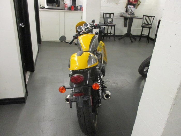 2017 Triumph Street Cup Racing Yellow/Silver Ice Photo 4 of 7
