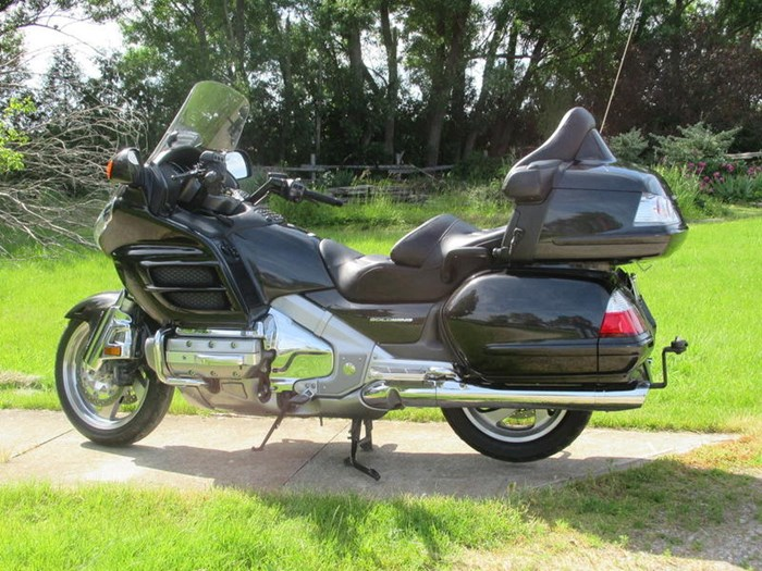 2010 Honda GL1800 AL Gold Wing Photo 2 of 7