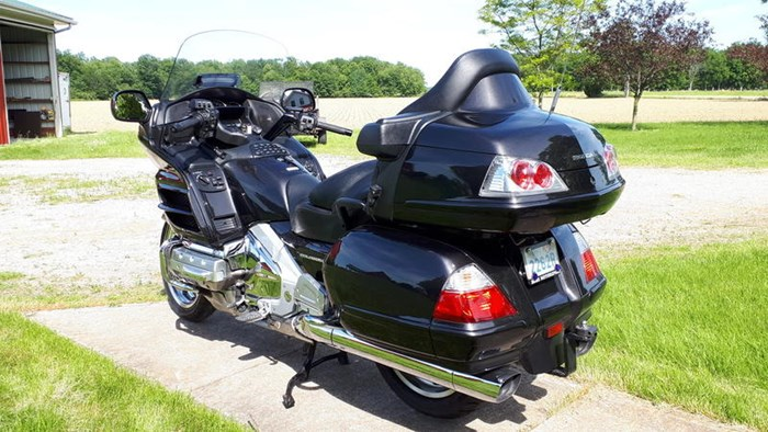 2010 Honda GL1800 AL Gold Wing Photo 3 of 7