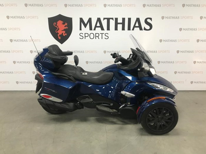 2017 Can-Am spyder rt Photo 1 of 12