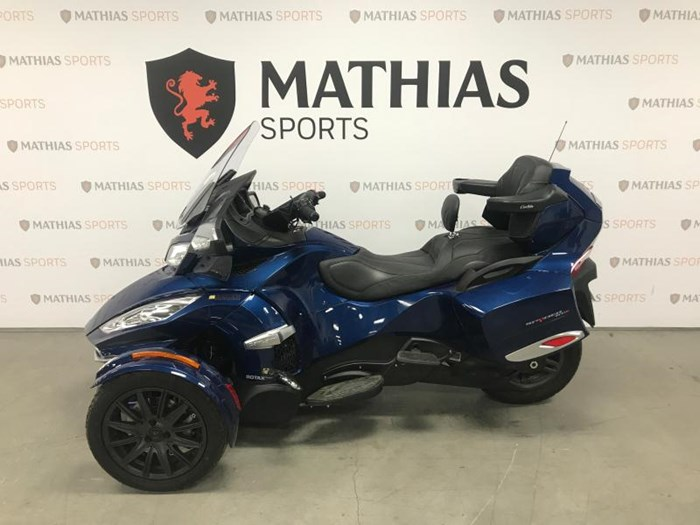 2017 Can-Am spyder rt Photo 4 of 12