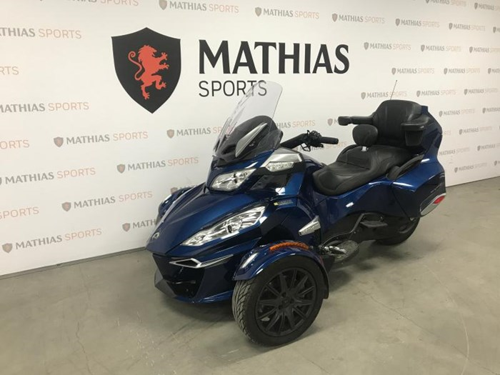 2017 Can-Am spyder rt Photo 5 of 12