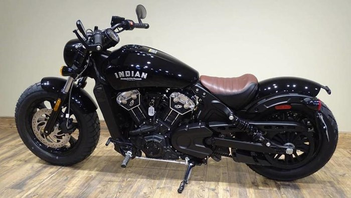 2019 Indian Motorcycle® Scout® Bobber ABS Thunder Black Photo 2 of 5