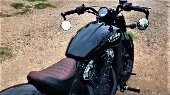 2019 Indian Motorcycle® Scout® Bobber ABS Thunder Black Photo 4 of 5
