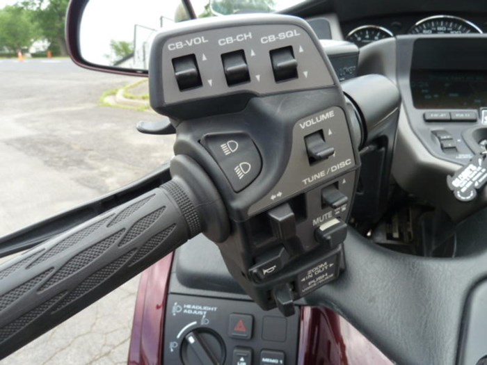2008 Honda Gold Wing ABS Photo 11 of 18