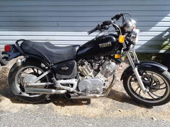 1982 Yamaha Xj750 Photo 2 of 4
