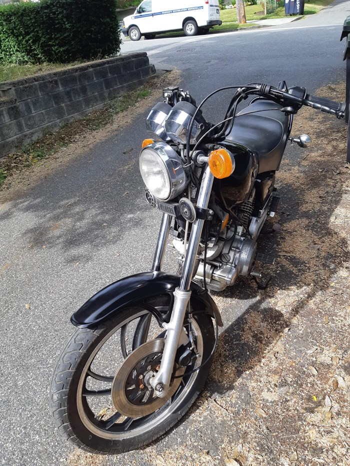 1982 Yamaha Xj750 Photo 4 of 4