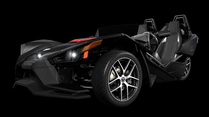 2017 SLINGSHOT SLINGSHOT NOIR BRILLANT Photo 2 of 5