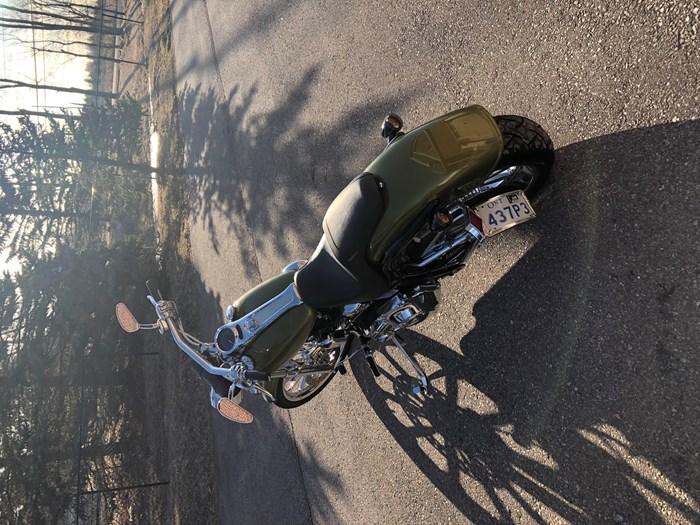 2005 Harley-Davidson Deuce Photo 3 of 3