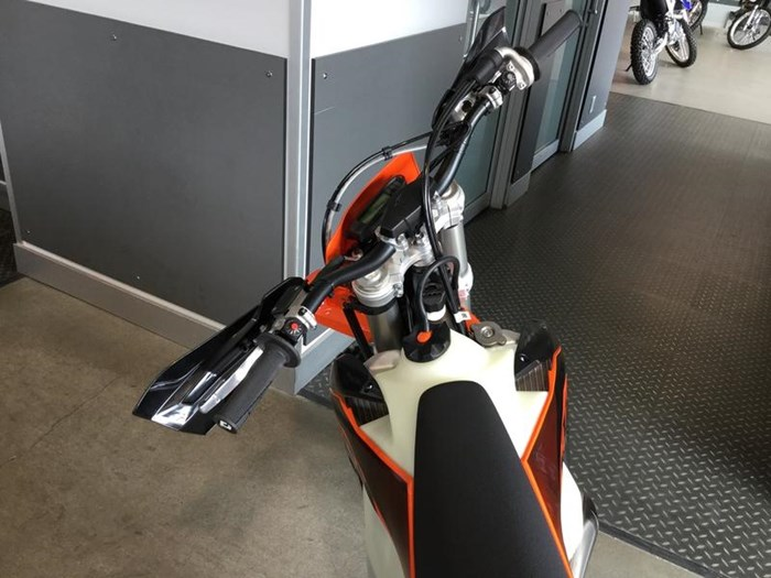 2020 KTM 300 XC-W TPI Photo 7 of 8