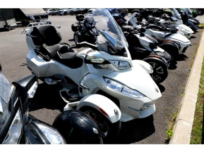 2012 Can-Am Spyder RT SE5 Limited Photo 2 of 10