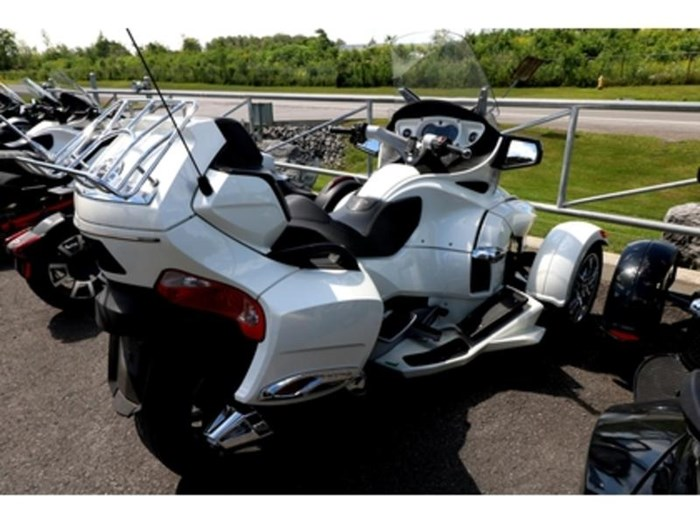 2012 Can-Am Spyder RT SE5 Limited Photo 3 of 10