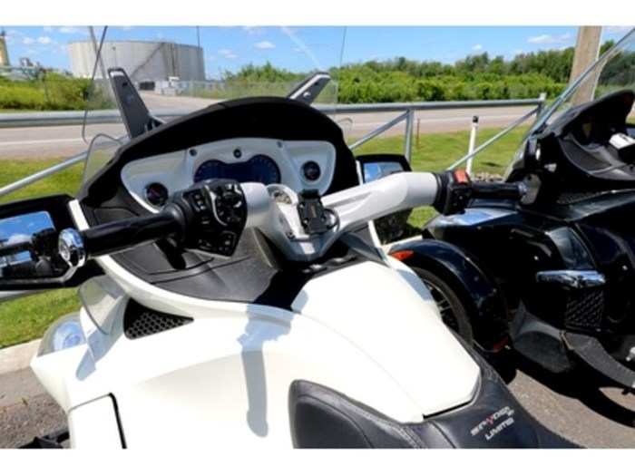 2012 Can-Am Spyder RT SE5 Limited Photo 6 of 10