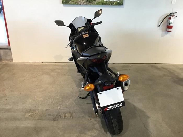 2020 Yamaha YZF-R3 Photo 5 of 6