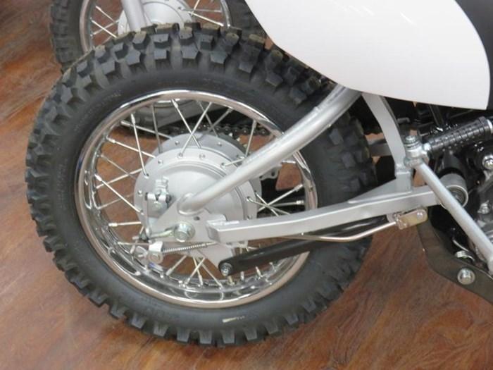 2019 Yamaha TT-R110E Photo 4 of 8