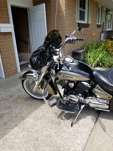 2010 Yamaha Vstar 1100 Classic Photo 2 of 6