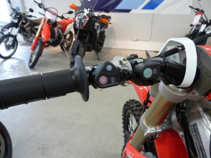 2020 Honda CRF450R Photo 8 of 11