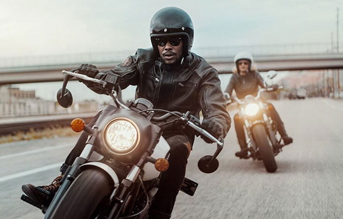 2019 INDIAN SCOUT BOBBER ABS THUNDER BLACK SMOKE Photo 5 of 8