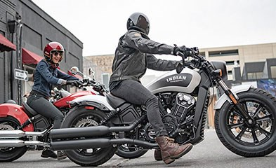 2019 INDIAN SCOUT BOBBER ABS THUNDER BLACK SMOKE Photo 6 of 8