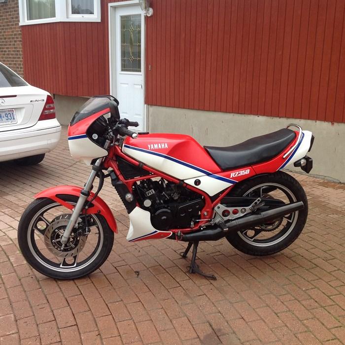 1983 Yamaha RZ 350 Photo 1 of 10