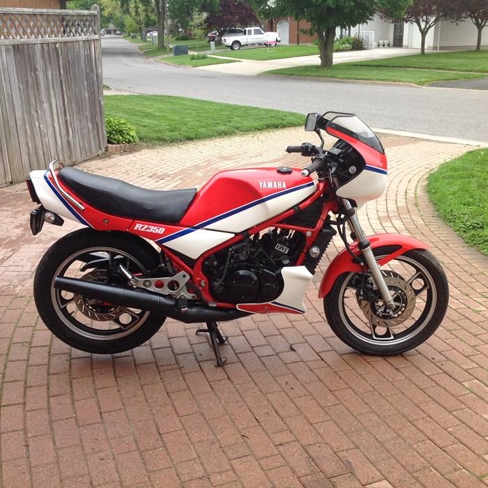 1983 Yamaha RZ 350 Photo 3 of 10