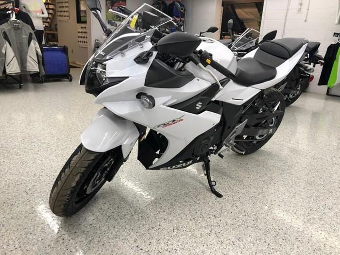 2018 Suzuki GSX250R Photo 4 of 14