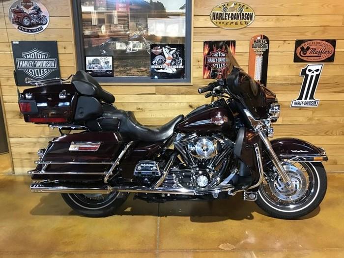 2005 Harley-Davidson FLHTCU - Ultra Classic Photo 1 sur 7