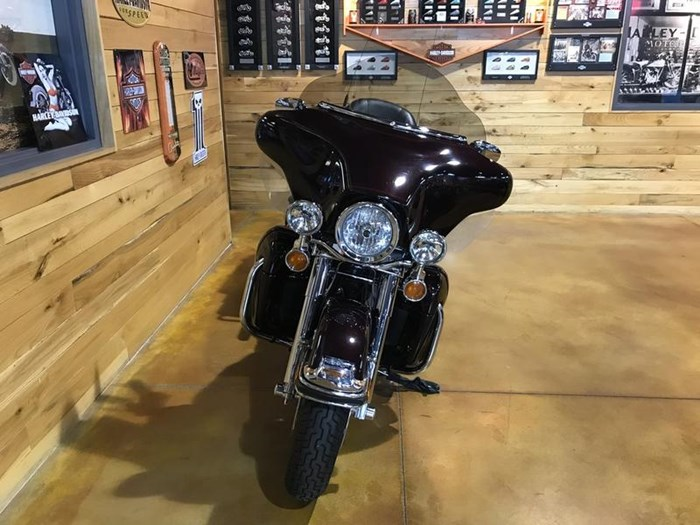 2005 Harley-Davidson FLHTCU - Ultra Classic Photo 3 sur 7
