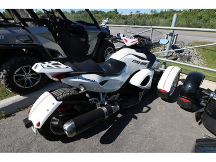 2011 Can-Am Spyder  RS-S Photo 3 of 9
