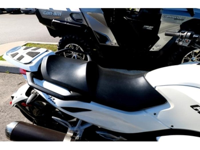 2011 Can-Am Spyder  RS-S Photo 5 of 9