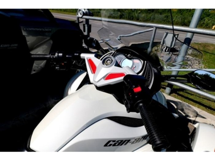 2011 Can-Am Spyder  RS-S Photo 6 of 9