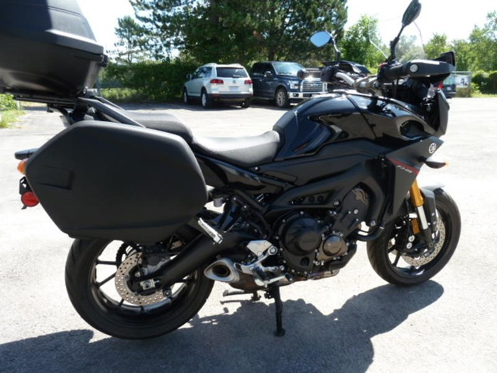 2016 Yamaha FJ-09 Photo 4 of 6