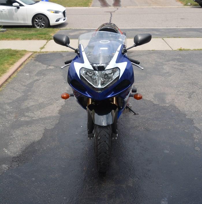 2002 Suzuki GSXR Photo 2 of 7