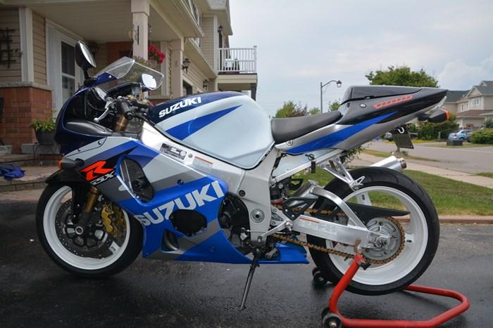 2002 Suzuki GSXR Photo 3 of 7