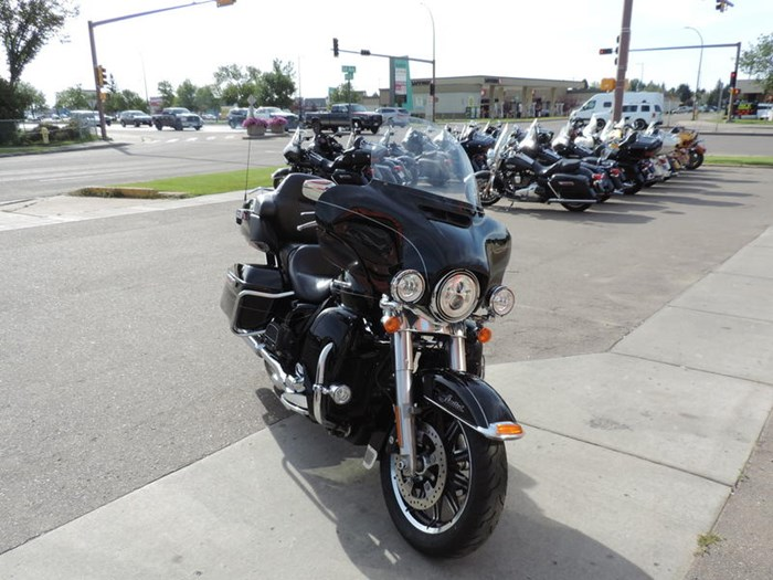2014 Harley-Davidson FLHTK - Electra Glide® Ultra Limited Photo 5 of 7