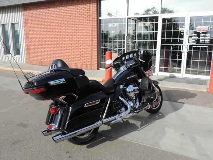 2014 Harley-Davidson FLHTK - Electra Glide® Ultra Limited Photo 6 of 7