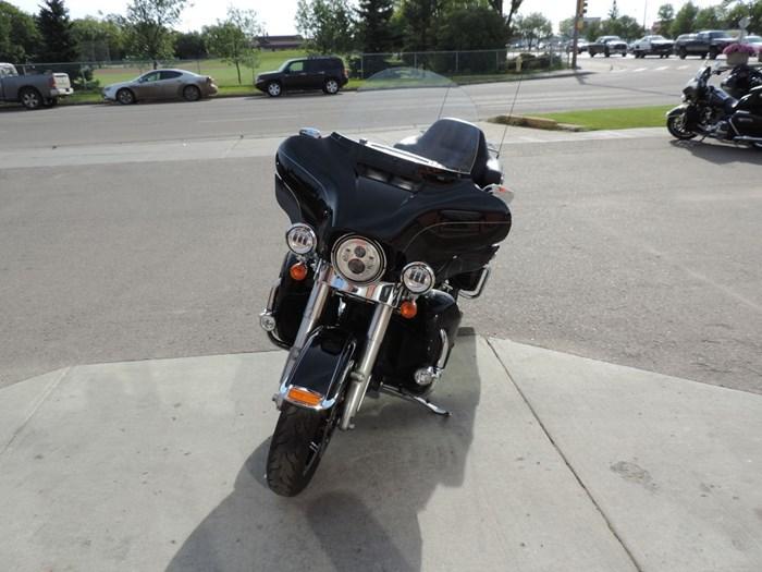 2014 Harley-Davidson FLHTK - Electra Glide® Ultra Limited Photo 4 of 7
