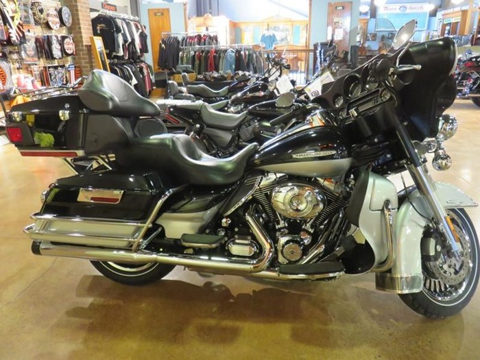 2011 Harley-Davidson FLHTK - Electra Glide® Ultra Limited Photo 1 of 10