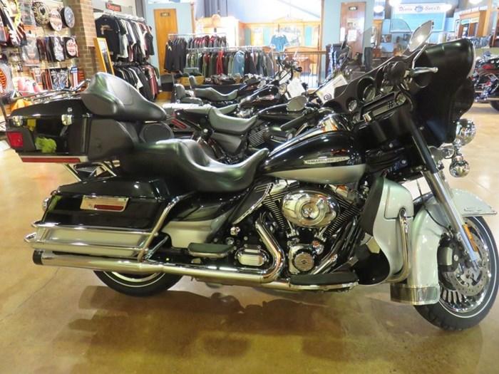 2011 Harley-Davidson FLHTK - Electra Glide® Ultra Limited Photo 1 of 10