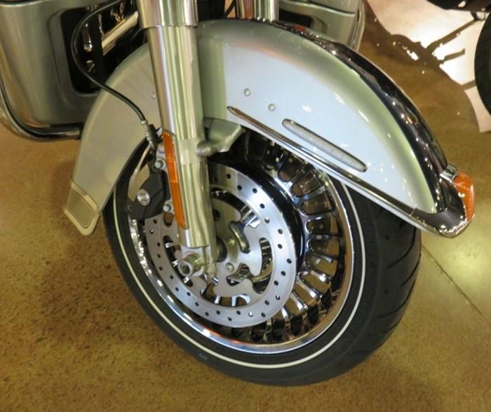 2011 Harley-Davidson FLHTK - Electra Glide® Ultra Limited Photo 10 of 10