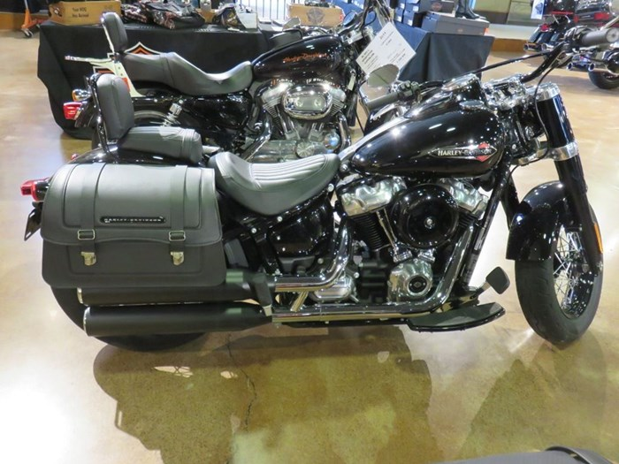 2018 Harley-Davidson FLSL - Softail® Softail Slim® Photo 1 of 7
