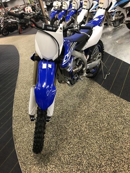 2019 Yamaha YZ450F Photo 2 of 3