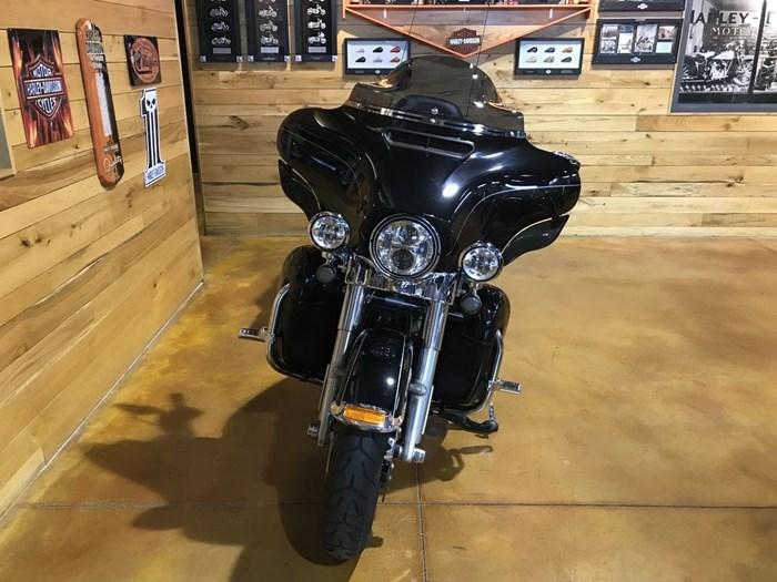 2015 Harley-Davidson FLHTKL - Ultra Limited Low Photo 3 sur 7